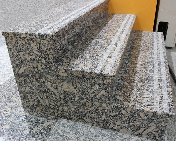 2017 china granite royal leolard granite for stairs